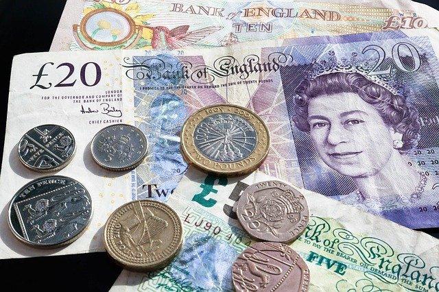 peníze Anglie