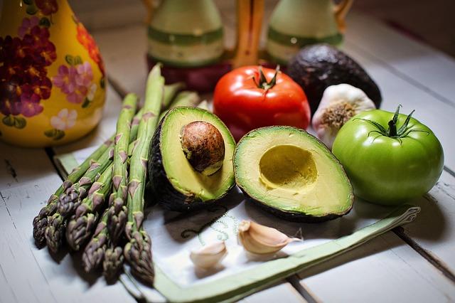 avokádo a zelenina.jpg