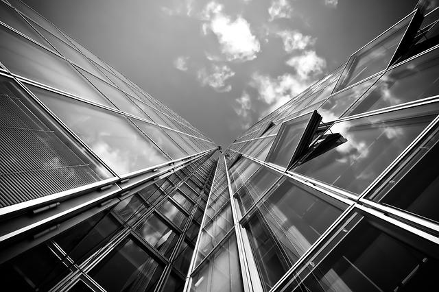 prosklenný mrakodrap