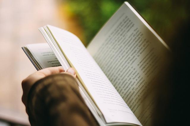 čtení knížky